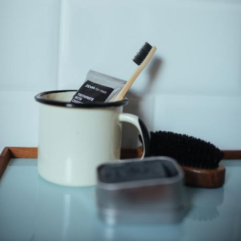 Toothpaste with charcoal 80 ml Strong mint